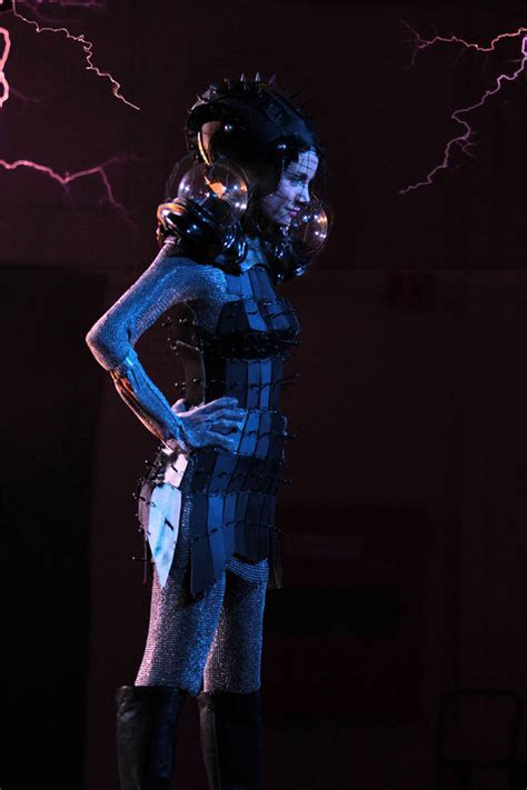 Faraday cage dress   Lets you look good when getting stuck