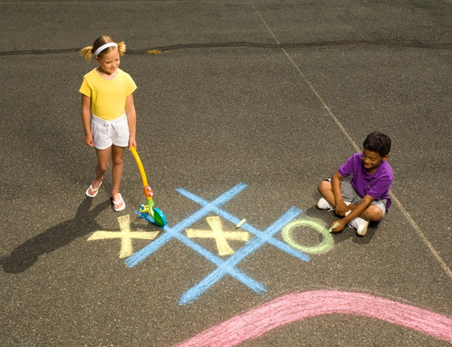 Sidewalk-Size Tic-Tac-Toe craft