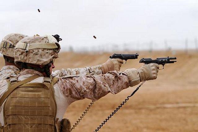 """El Ejército de los EE.UU. quiere sustituir por sus pistolas de 9 mm estándar con un modelo más preciso y fácil de usar. Oficiales del ejército EE.UU. dicen que quieren un nuevo """"Sistema Modular Pistola"""", con más potencia de frenado, la exactitud y fiabilidad de la M9 actualmente en servicio."""