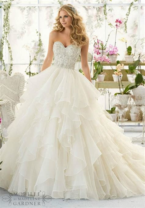 Gorgeous Cascading Ruffle White Wedding Dresses With Beads