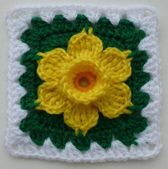 PDF pattern - Daffodil in granny square