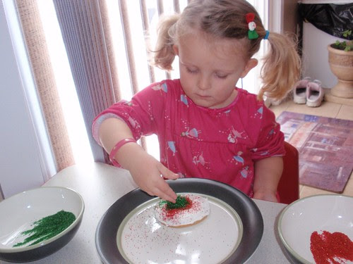 12.12.10 Libby decorating cookies (3)