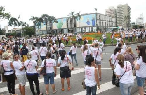 Professores do Paraná devem entrar em greve nesse mês
