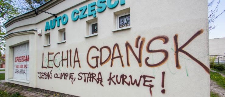 Kibice Lechii Szaleli W Elblągu Doszło Do Wielu Zniszczeń