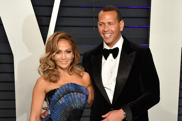 d75b0d38fa9 Jennifer Lopez s Futuristic Zuhair Murad Dress Had Alex Rodriguez in Awe at  the Vanity Fair Oscars After Party