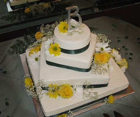 Gristmill Bakery Cake Galleries: Seasonal Cakes