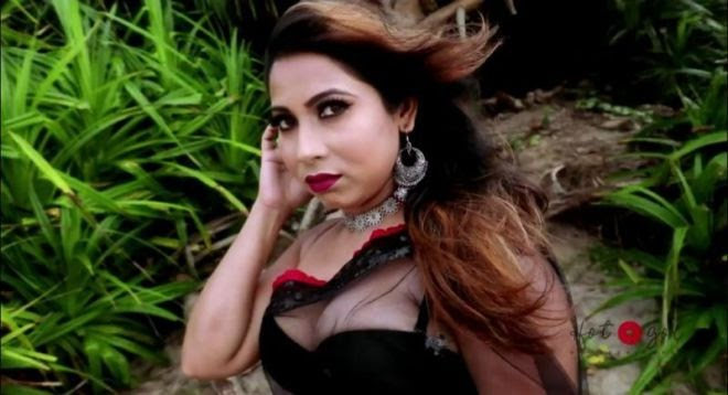 Saree Lovers – Mahua Datta Hot App Video