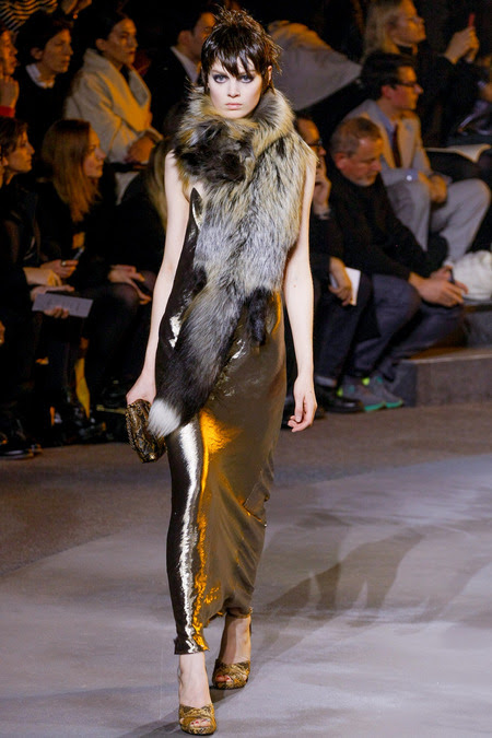 http://fashionbombdaily.com/wp-content/uploads/2013/11/Marc-Jacobs-Fall-2013.jpg