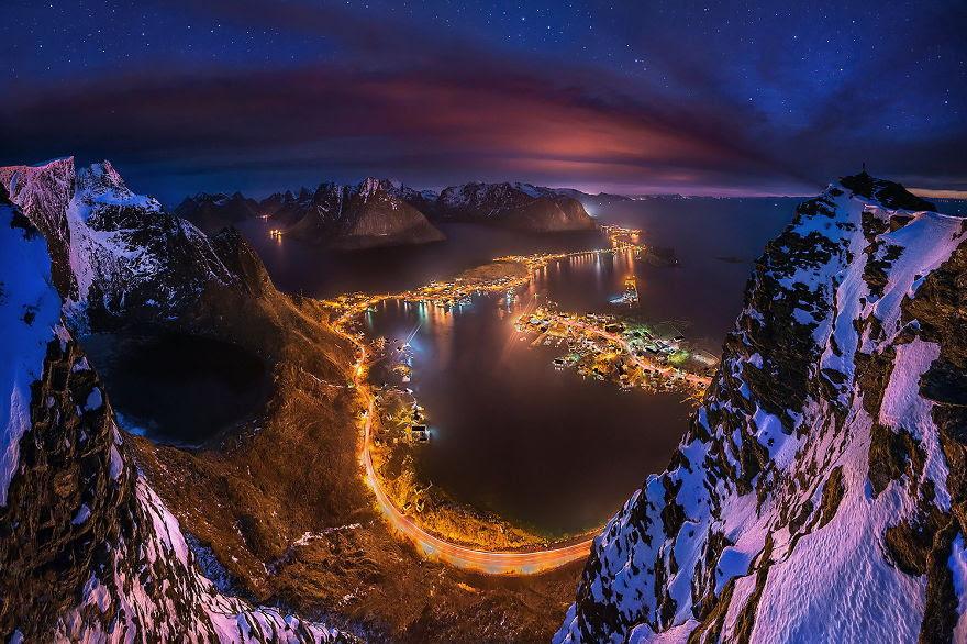 Reinebringen Rock, Lofoten