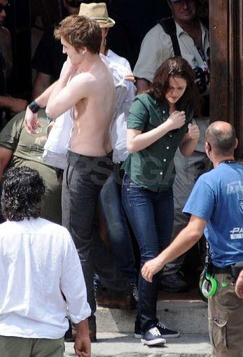 Kristen Stewart And Robert Pattinson Kissing In Public. 2010 Kristen Stewart arrives