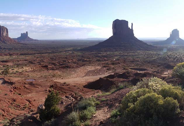 Monument Valley - Places to visit out west