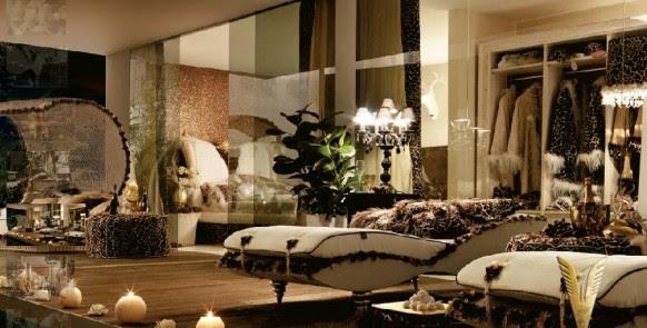 Luxurious Interiors-Style Black room