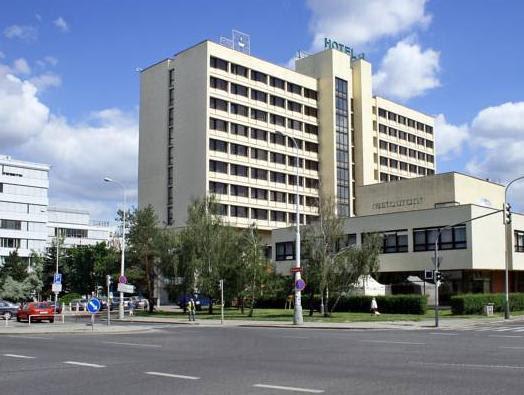 Hotel ILF Reviews