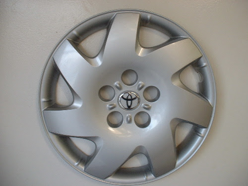Genuine factory Toyota Camry hubcaps, Camry wheel covers Hubcap Heaven and