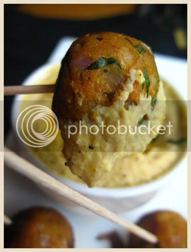 Tofu croquettes and hummus