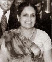 นางสิริมาโว บันดารานัยเก : นายกรัฐมนตรีหญิงคนแรกของโลก