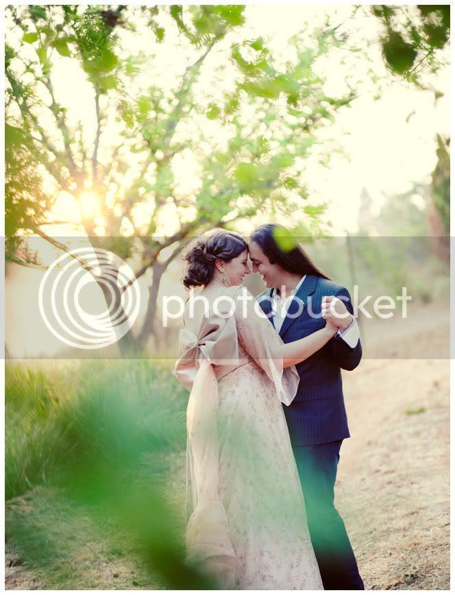 http://i892.photobucket.com/albums/ac125/lovemademedoit/_MG_1426.jpg?t=1286877675