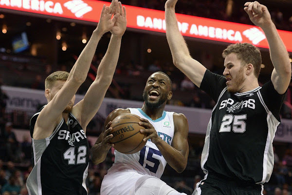 6bcb4667e Hornets Look to Keep Playoff Hopes Alive Against Lakers