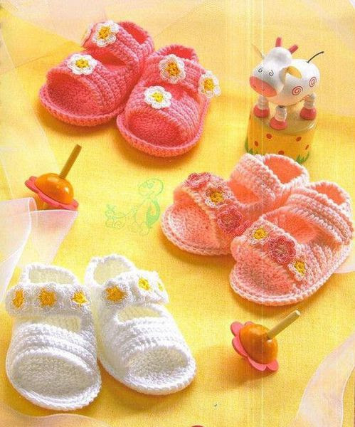 flowered sandals and baby free pattern!