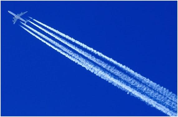 Resultado de imagen de cielo cubierto de chemtrails