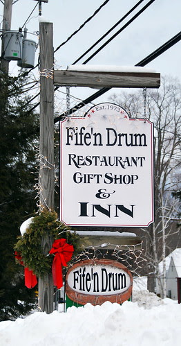 The Fife 'n Drum Sign