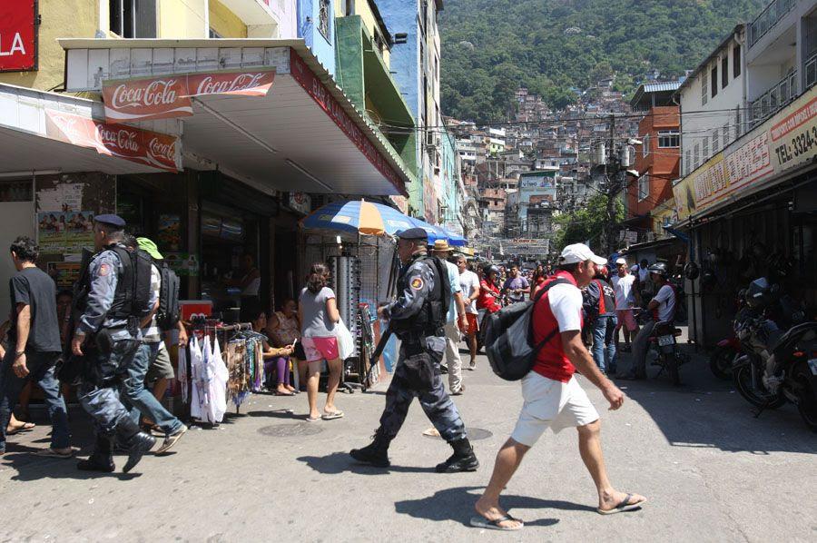 Polícia iniciará a ocupação da Rocinha na madrugada deste domingo / Tasso Marcelo/ AE