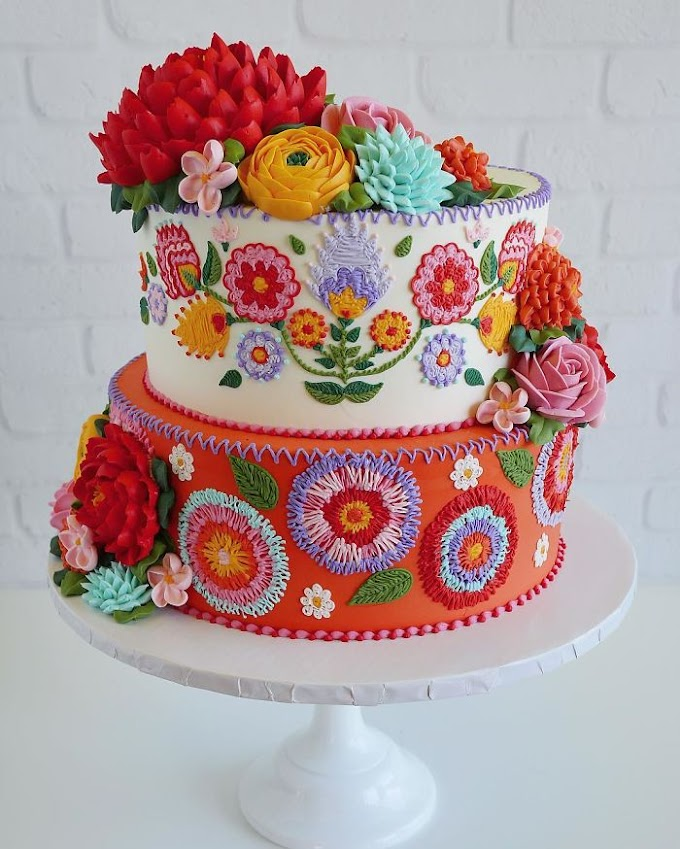 """Cake creator Uses Icing To Mimic Stitches, Creates beautiful """"Embroidered"""" Patterns"""