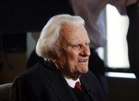 """Billy Graham deixa hospital e afirma: """"Ateus não tem respostas para as perguntas básicas da vida"""""""