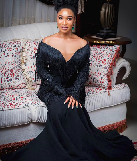 King Tonto! Actress sizzles for stunning all black outfit shoot