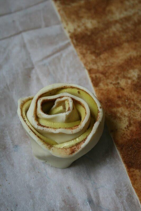 Roses feuilletées de pommes 3
