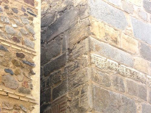 Torre de la Iglesia de El Salvador de Toledo tras las obras que han liberado un flanco con restos visigóticos.