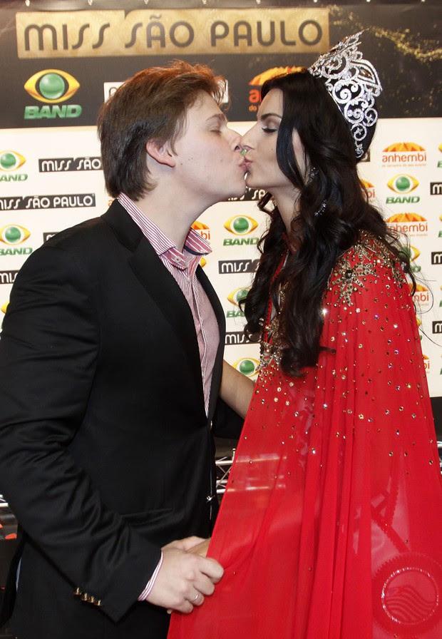 Vitor Franceschini e Jéssica Voltolini (Foto: Celso Tavares / EGO)