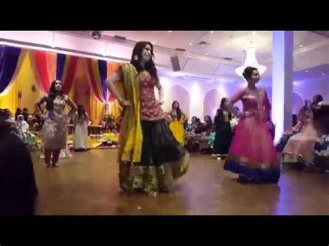 Pakistani Mehndi Dance 2017   Best Wedding Dance