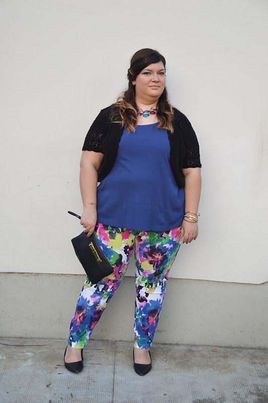 outfit pantaloni colorati e giacca aile10