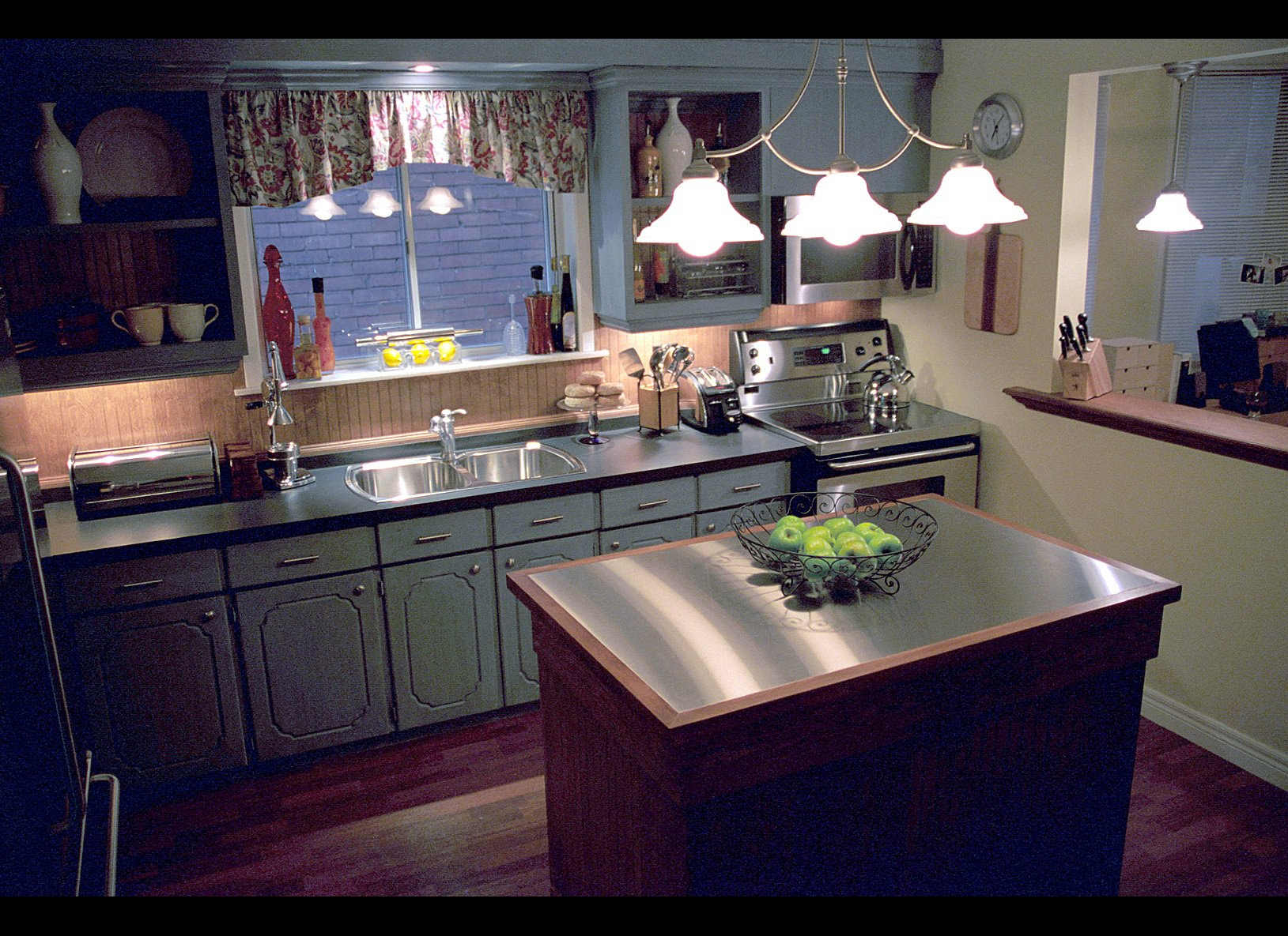 Candice Olson: Joyce and Andrew's Kitchen