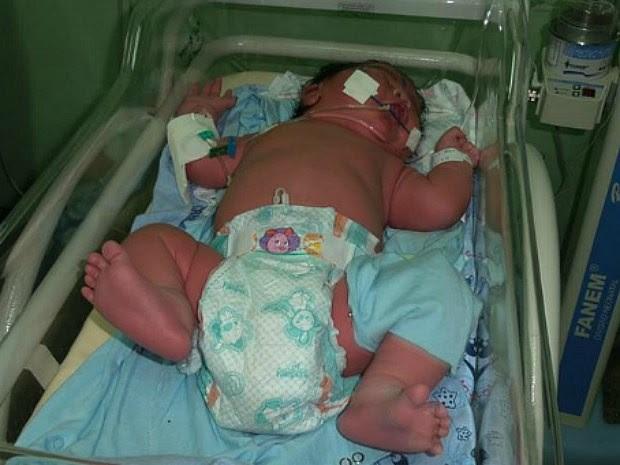 Bebê nasceu com quase 7 kg em Parintins (Foto: Arquivo Pessoal)
