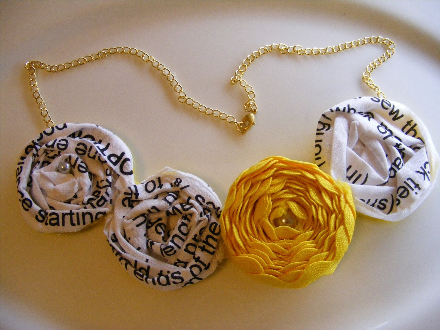 Words Move Me Rosette Necklace