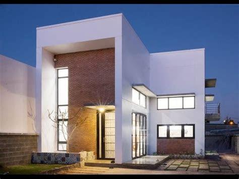small modern house design  spacious interior