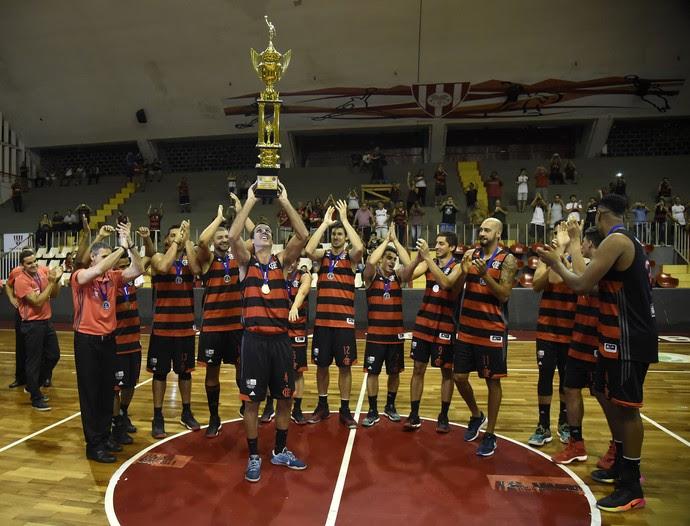 Flamengo campeão estadual basquete (Foto: André Durão)