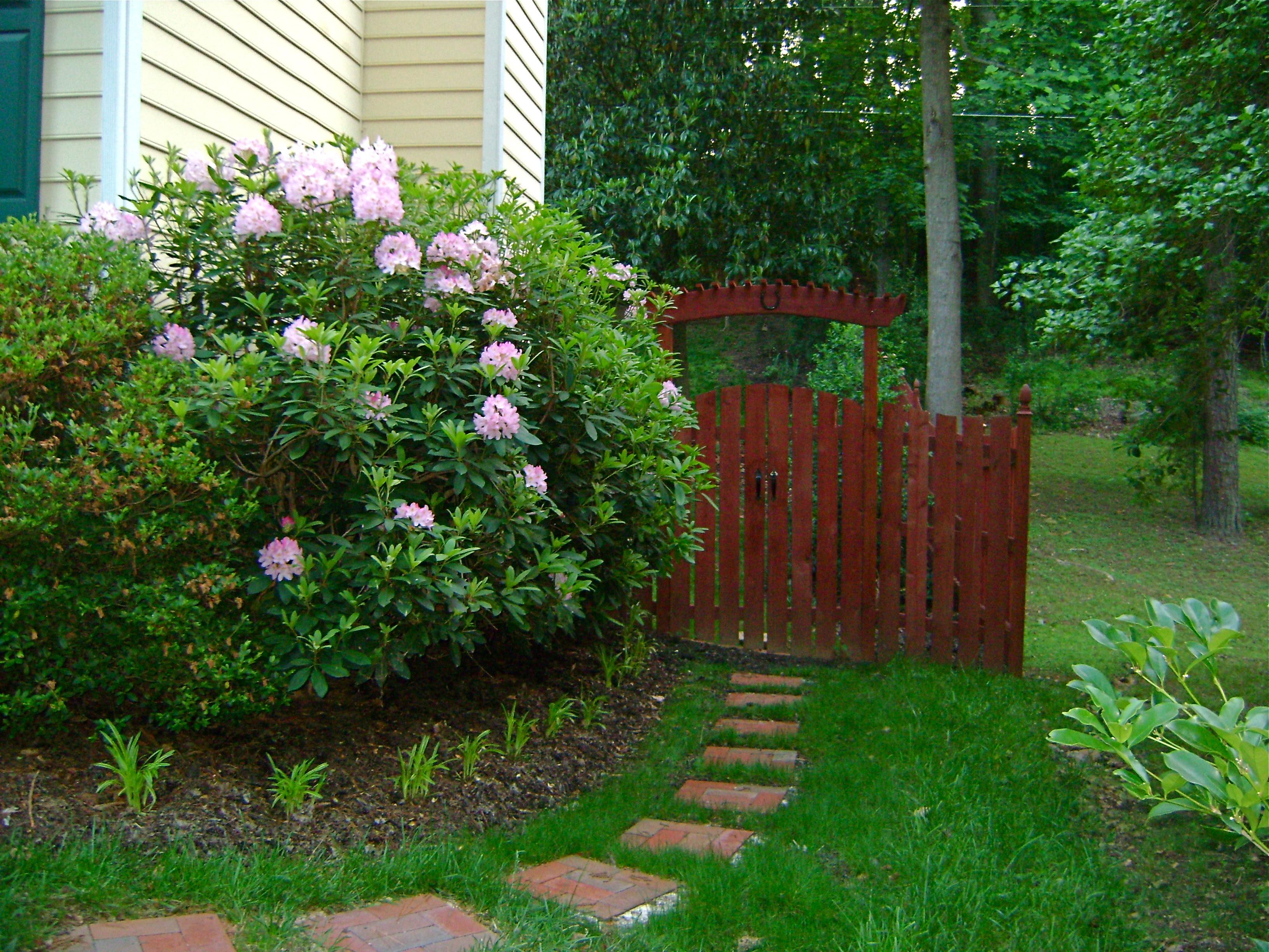 Easy Backyard Landscaping Ideas For Beginners In Square: Landscaping Tips For Beginners