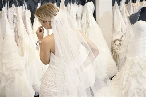 Things to Consider When Shopping For Wedding Dresses