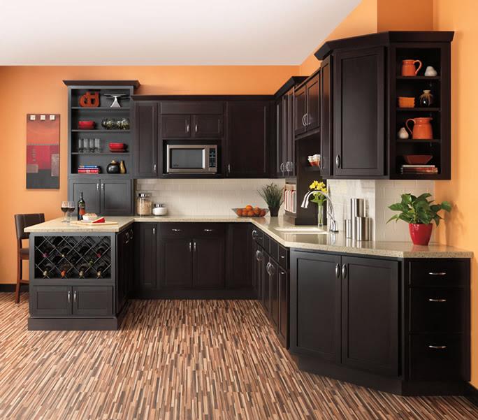 Woodstar | Kitchen Cabinets | Auburn Hills Lapeer MI