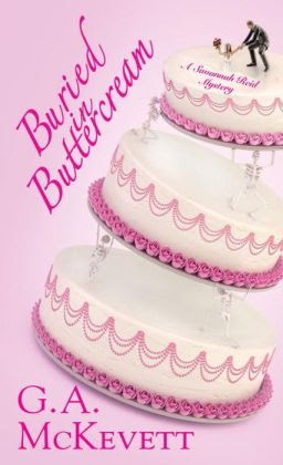 Buried in Buttercream (Savannah Reid Series #17)