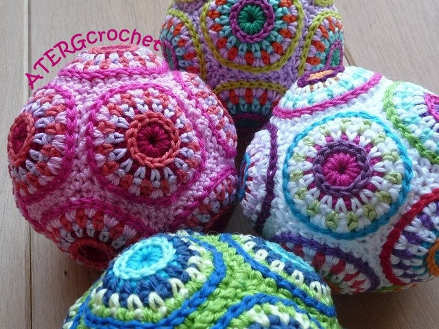 Crochet pattern colorful circle ball by ATERGcrochet