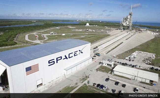 SpaceX Wins Second NASA Contract To Take Astronauts To International Space Station