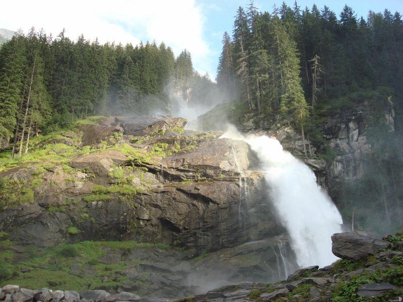 Самый высокий водопад Европы (8 фото)