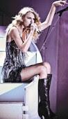 Taylor Swift Sentada Minivestido Con Botas