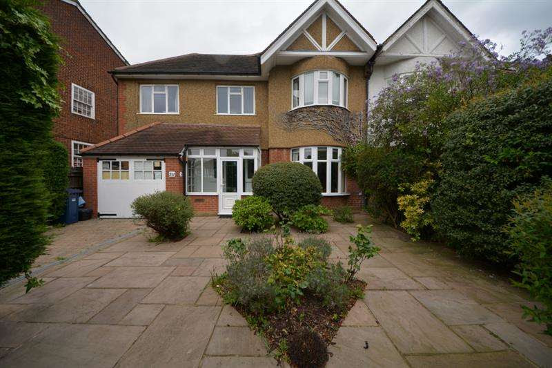 Houses for sale & to rent in N2 0JG, Abbots Gardens,,East ...