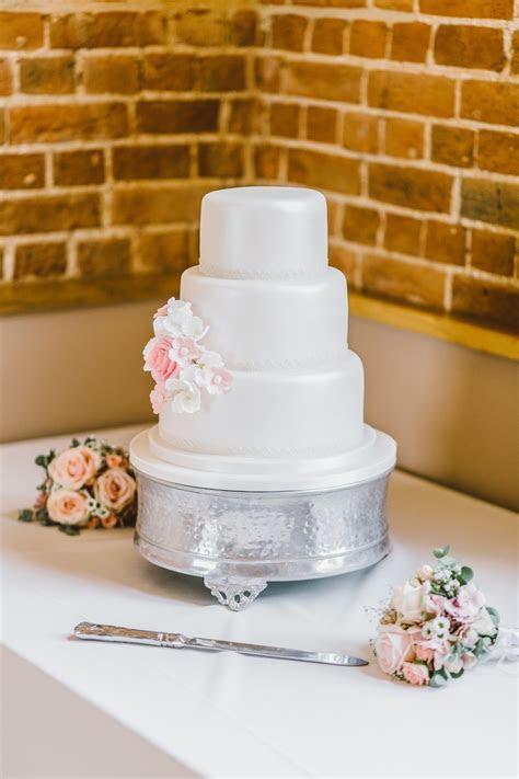 Wedding Cake Pictures   Download Free Images on Unsplash