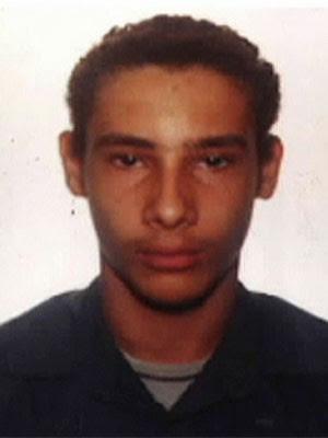 Wellington Menezes de Oliveira, homem que atirou contra escola municipal Tasso da Silveira, em Realengo (Foto: Reprodução/TV Globo)